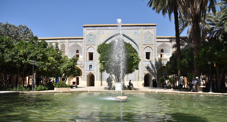 مدرسه-خان-شیراز