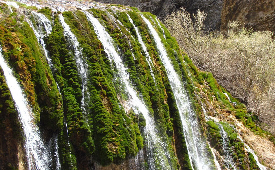 pooneh-zar-waterfall