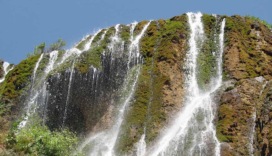poonehzar-waterfall