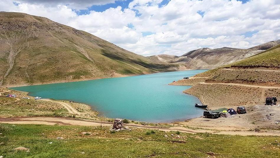 tar-lake