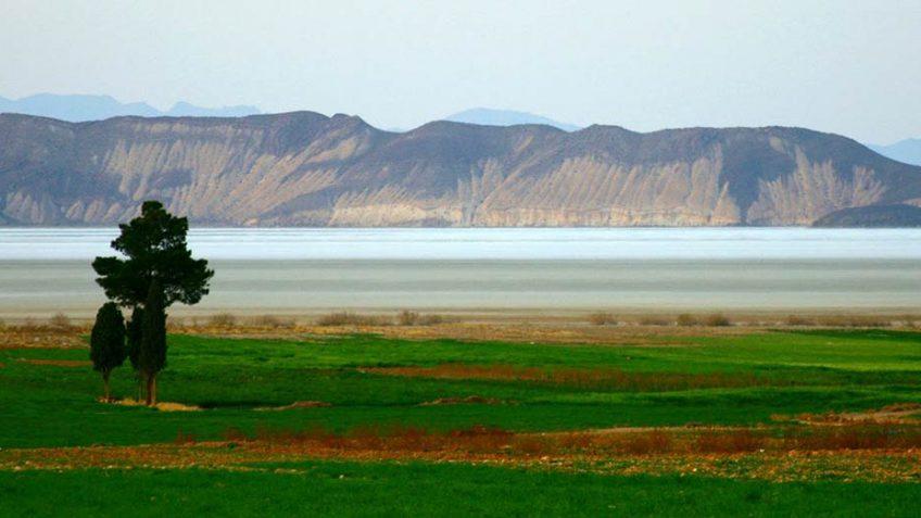 Bakhtegan_Lake
