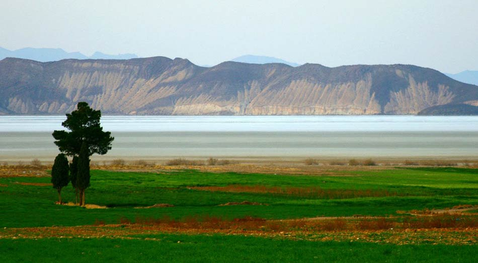 Bakhtegan_Lake