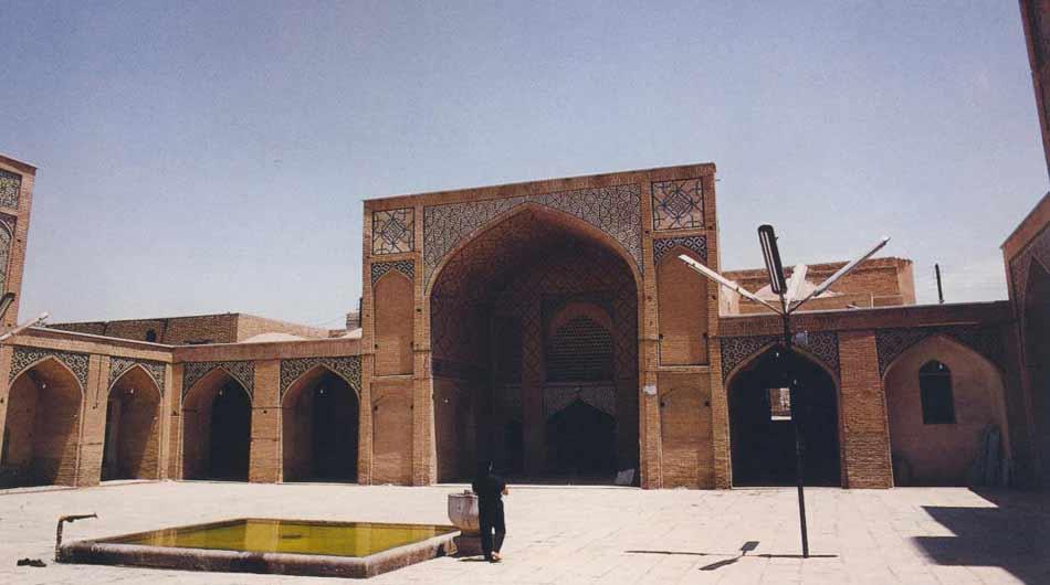 agha-noor-mosque